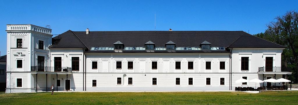 Chateau Oponice