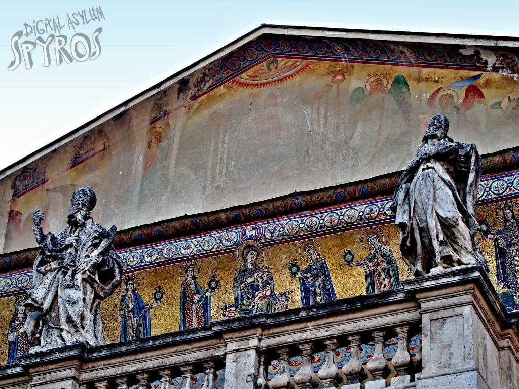 Basilica Santa Maria in Trastavere - Facade