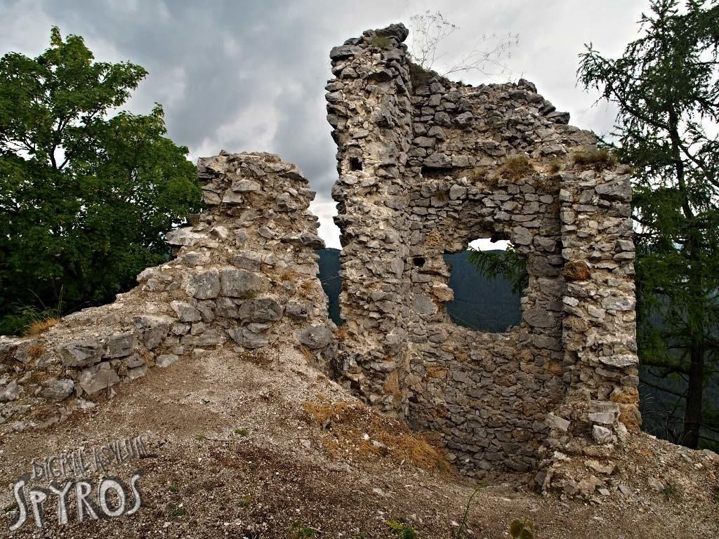Hrad Zniev (Turiec) - Dolný hrad, detail