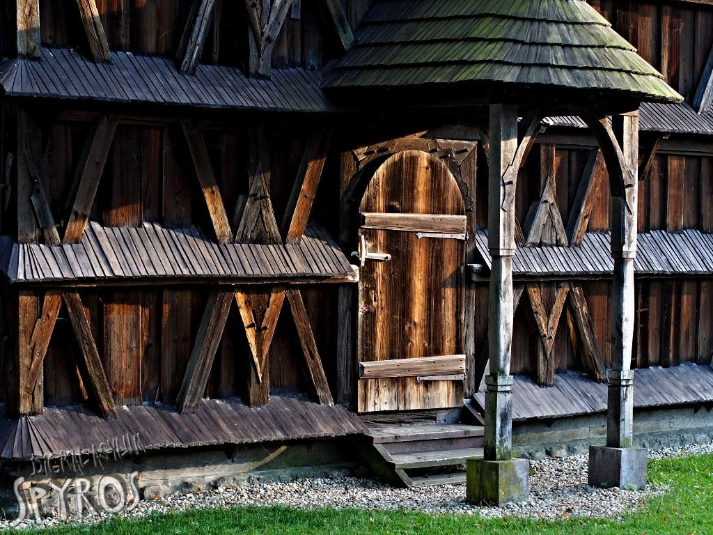 Hronsek - drevený artikulárny kostol