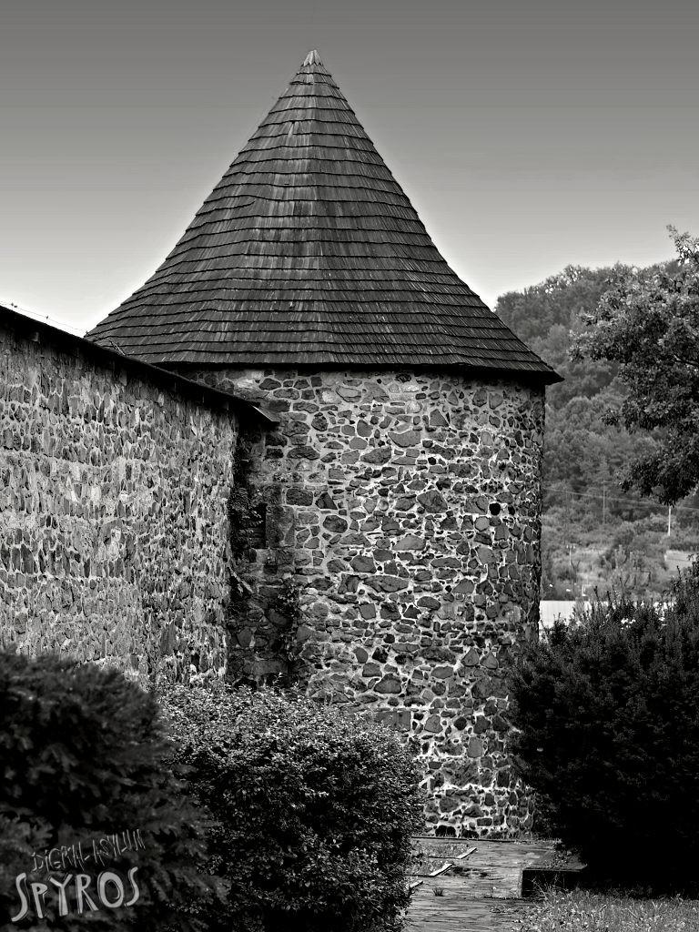 Zvolenský hrad - polkruhová bašta na severozápade