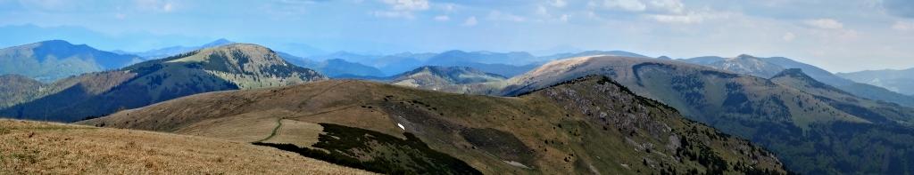 Veľká Fatra - pohľad z Ostredku na sever (panoráma)